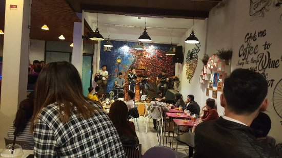 No Name Coffee & Restaurant, live music Picture