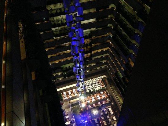 Maksoud Plaza: vista interna do alto
