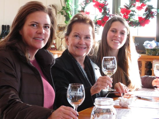 Cherry Creek Winery: Cheer's!