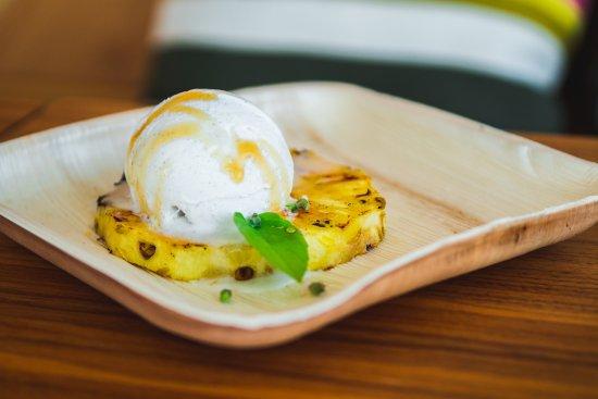 Del Valle, TX: Grilled pineapple dessert.