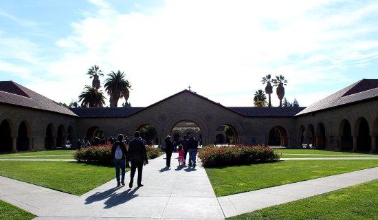 Stanford University: Toward Stanford Memorial Church