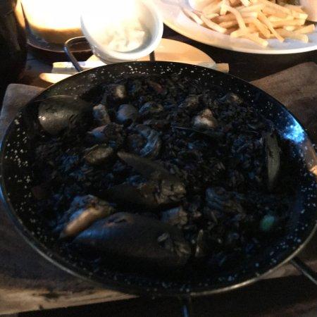 La Lunita: Black Rice w Squid Ink