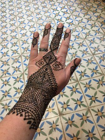 Henna Tattoo Waiting For It To Dry Picture Of Marrakech Henna Art