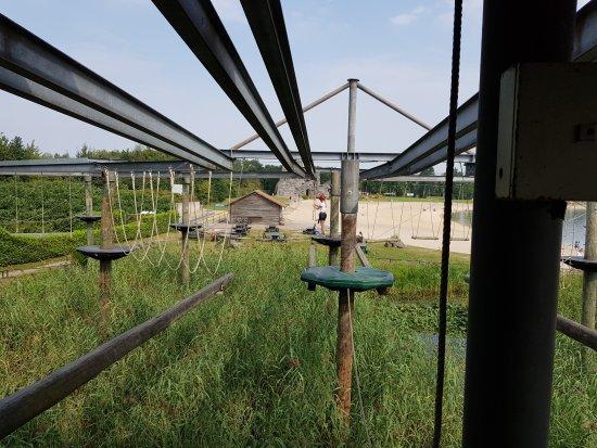Volkel, The Netherlands: Тропа над болотом