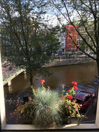 Boutique B&B Kamer01: View of Singel Canal