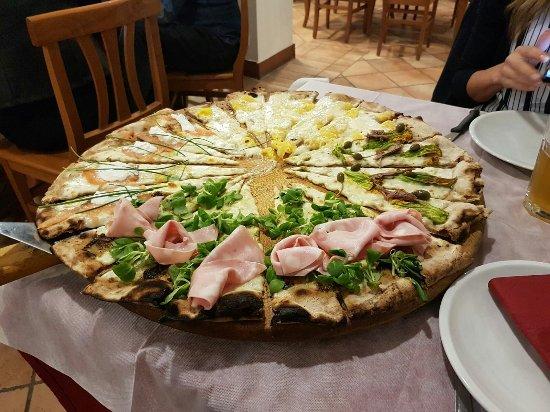 Venarotta, Italia: IMG-20180101-WA0025_large.jpg