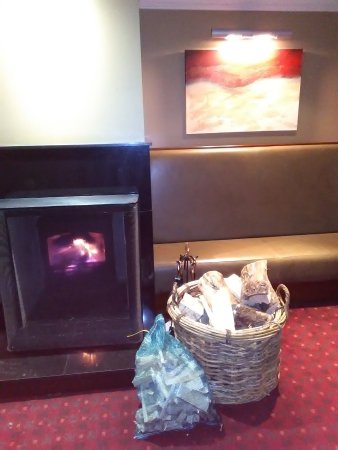 Macdonald Aviemore Hotel at Macdonald Aviemore Resort: Log fires to warm you up on a cold, wintery day