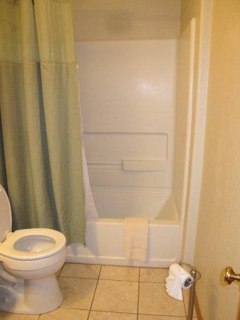 Powder House Lodge : bathroom