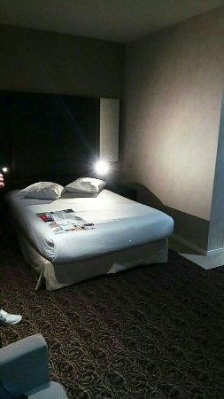 Hotel Chambord: Snapchat-563777833_large.jpg