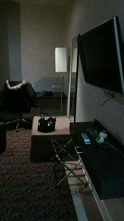 Hotel Chambord: Snapchat-297756779_large.jpg