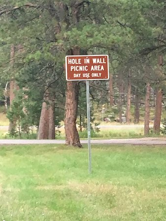 Custer State Park: hole in the wall