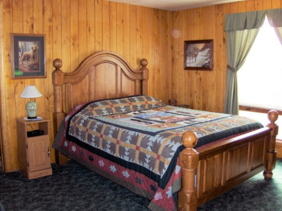 Neillsville, Висконсин: One of our sigle queen rooms