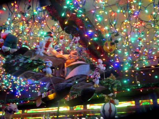 butch mc guires tavern more christmas decorations - Chicago Christmas Decorations