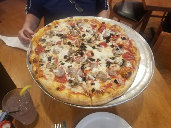 Delicious Pizza - Picture of Two Meatballs in the Kitchen, Fort ...