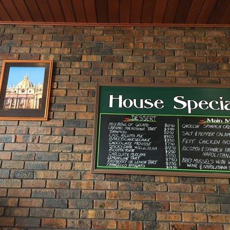 Tonys pizza house: photo3.jpg
