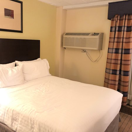 Holiday Inn Express Boston: photo0.jpg
