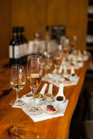 Waiheke Island, New Zealand: VIP wine tasting with food pairings - 5 wines including the Blanc de Noirs Méthode Traditionelle