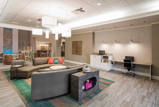 Holiday Inn Hotel & Suites Lake City : Lobby