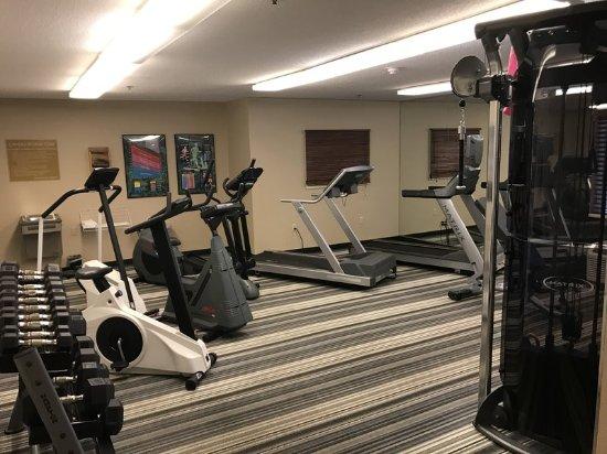 Warrenville, IL: Health club