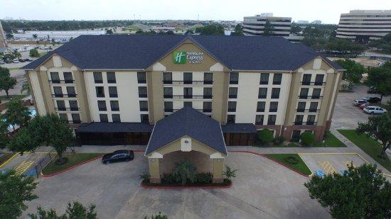 Holiday Inn Express Hotel & Suites Houston West-Energy Corridor: Exterior