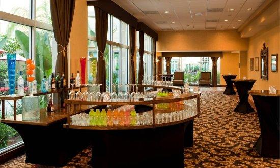 Commerce, CA: Ballroom