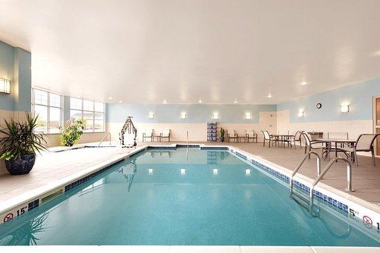 Hilton Garden Inn Fargo: Pool