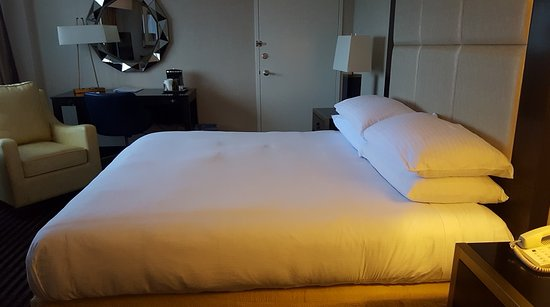 Iselin, Nueva Jersey: My huge comfortable bed!