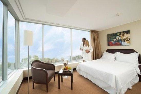 Radisson Hotel Decapolis Miraflores: Guest room
