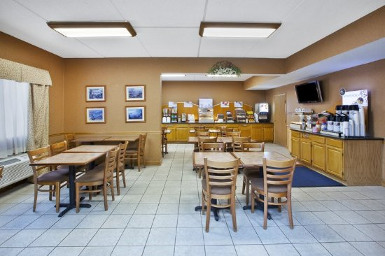 North Huntingdon, PA: Restaurant