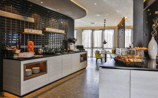 bar lounge holiday inn villingen schwenningen villingen schwenningen resmi tripadvisor. Black Bedroom Furniture Sets. Home Design Ideas