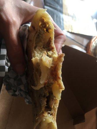 Vert-Saint-Denis, Frankrig: crepe poulet curry