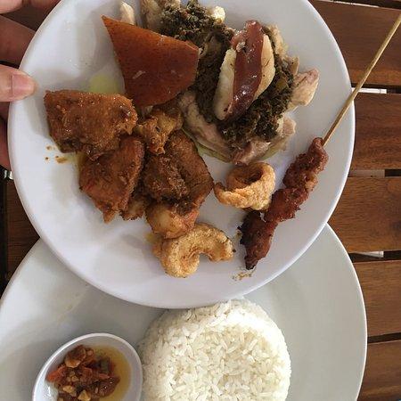 Yummy Babi Guling & good service!