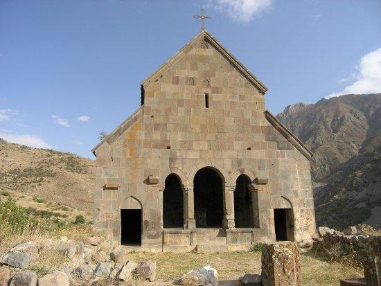 Yeghegis, Armenia: Войсковая церковь, Ехегис был столицей Сюникского княжества