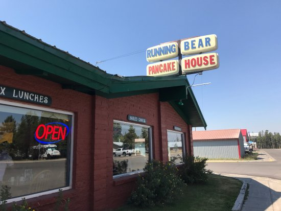 Running Bear Pancake House: Exterior