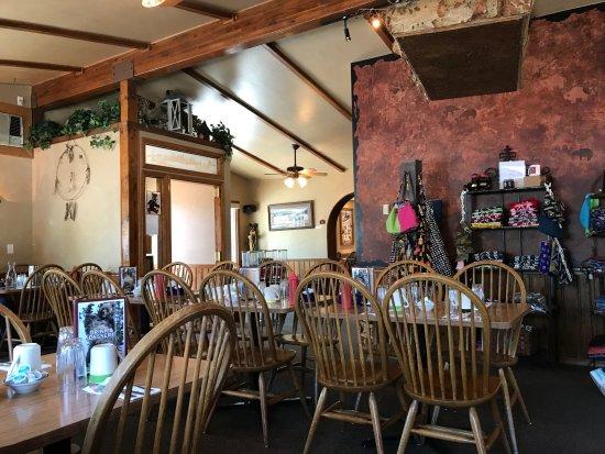 Running Bear Pancake House: Interior