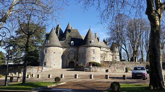 Arnac-Pompadour, Francja: 20171231_132903_large.jpg