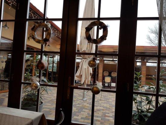 Kismaros, Magyarország: View from our table
