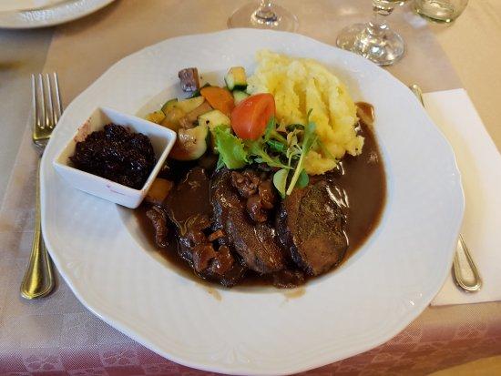 Kismaros, Magyarország: Wild boar steak with mushroom