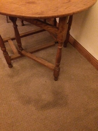 Burton-in-Lonsdale, UK: Stonebower Cottage, Burton in Lonsdale stains on carpet area!!
