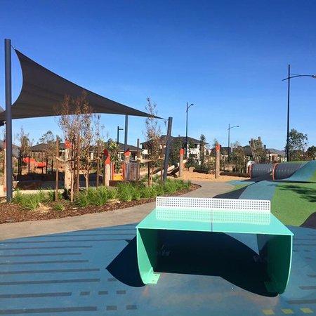 Caroline Springs, Australia: Woodlea Playground