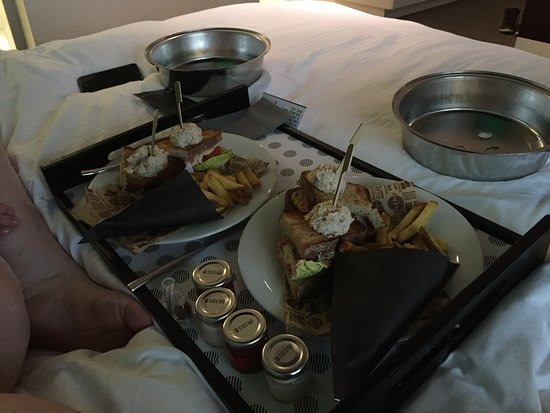 Pullman Eindhoven Cocagne: Room service lunch