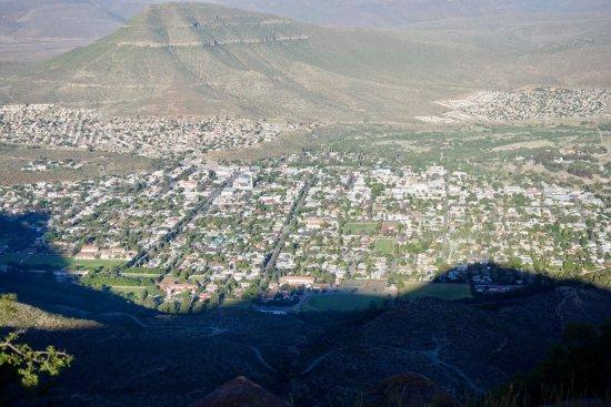 Eastern Cape, Afrika Selatan: Graaff-reinet in de schaduw van de bergen