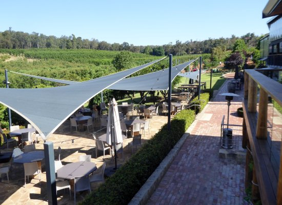 Pickering Brook, Australia: Outside seating Core Cider