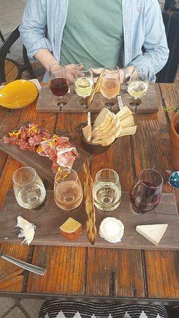 Really good value wine and cheese tasting