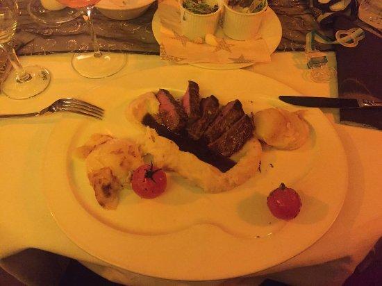 ฟูลเลนดอร์ฟ, เยอรมนี: mit Kartoffelgratin