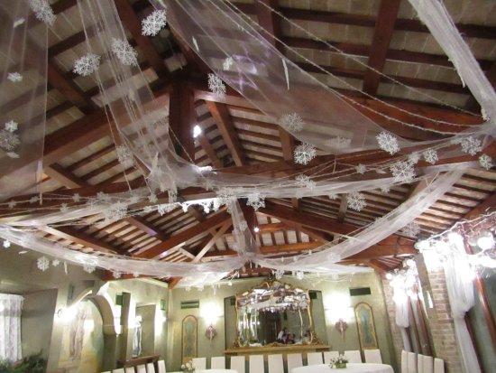 Paradiso, Italia: le decorazioni nella sala