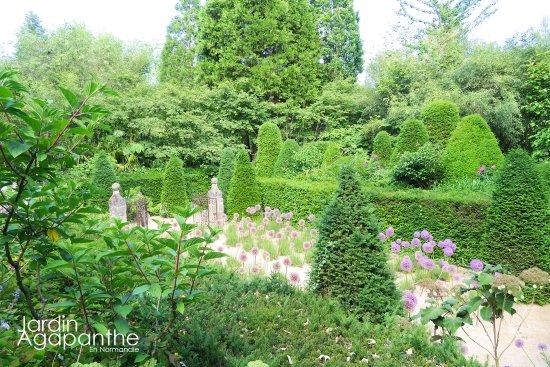 Le jardin agapanthe par alexandre thomas architecte for Alexandre jardin le roman des jardin