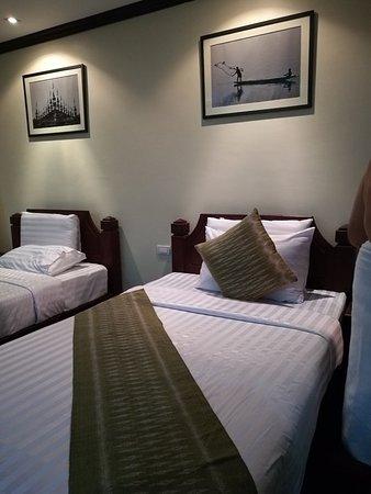 Luang Prabang Residence: IMG_20171223_222500_large.jpg