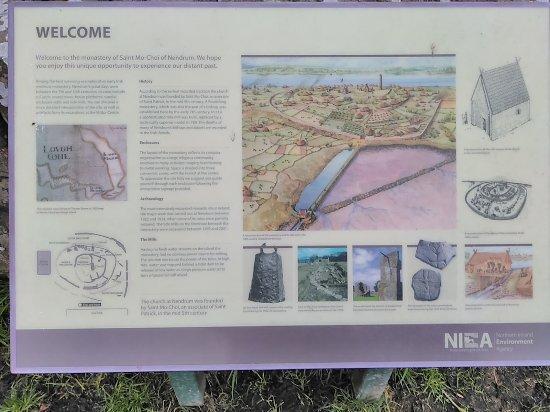 Nendrum Monastic Site: Helpful sign