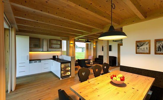 Küche Chalet Deluxe - Picture of Trattlers Hof-Chalets, Bad ...